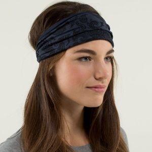 Lulu🍋 Headband Reversible Paisley Inkwell
